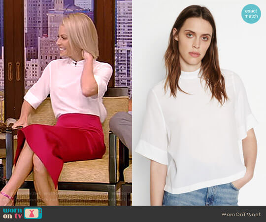 'Benton' Top by Equipment worn by Kelly Ripa  on Live with Kelly & Ryan