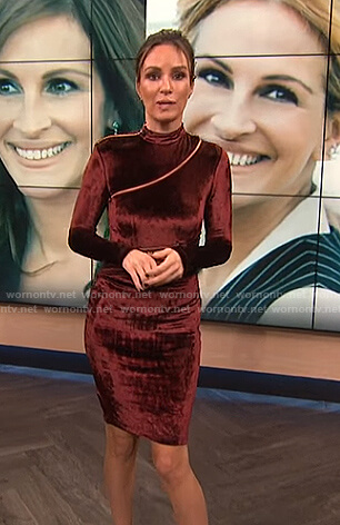 Catt's red velvet zip dress on E! News