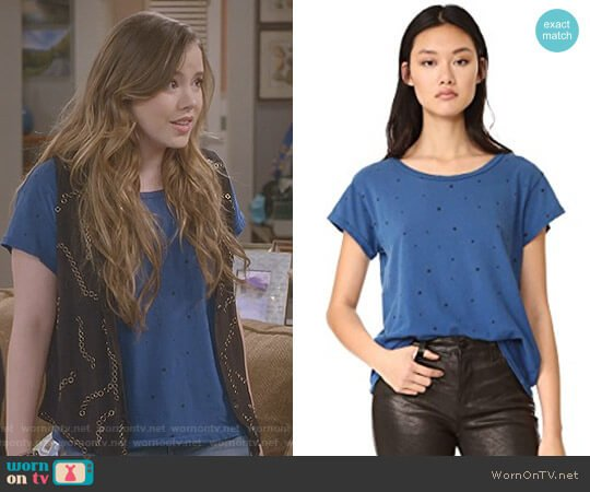 The Crew Neck T-Shirt by Current Elliott worn by Taylor Spreitler on Kevin Can Wait