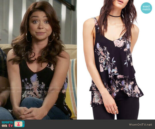 Free People On the Top Tank worn by Sarah Hyland on Modern Family