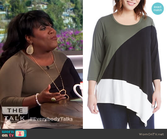Asymmetric Color-Block Top by Karen Kane worn by Sheryl Underwood  on The Talk