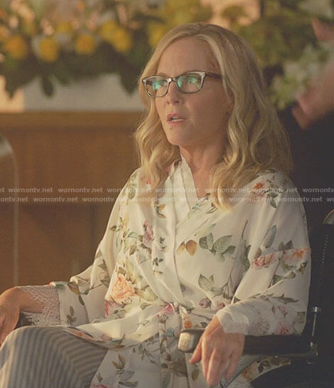 Linda's white floral robe on Lucifer