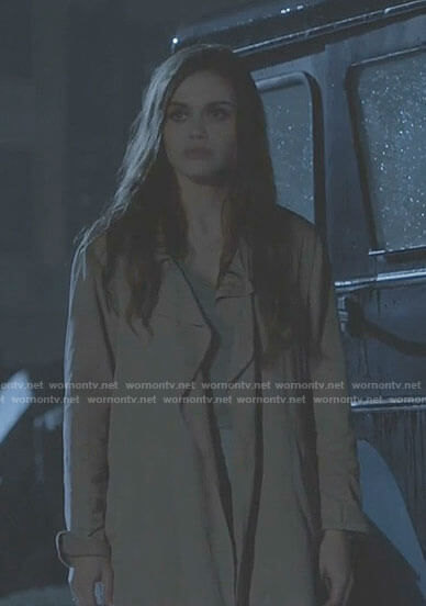 Lydia's pink trench coat and cropped pants on Teen Wolf