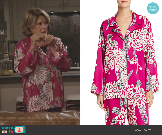 Notch PJ Set by Natori worn by Judy Roberts (Linda Lavin) on 9JKL