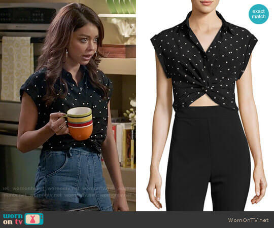 T by Alexander Wang Printed Twist-Front Silk Top worn by Sarah Hyland on Modern Family