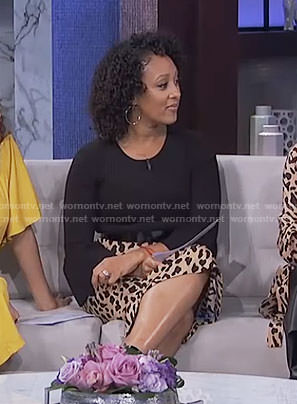 Tamera's leopard print pencil skirt on The Real