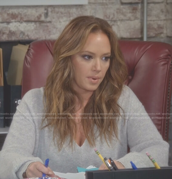 Vanessa's grey v-neck sweater on Kevin Can Wait