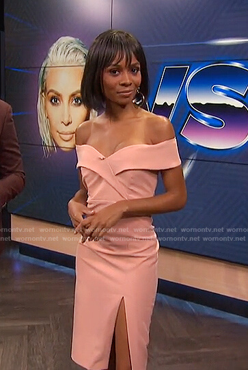 Zuri's pink off-shoulder slit dress on E! News