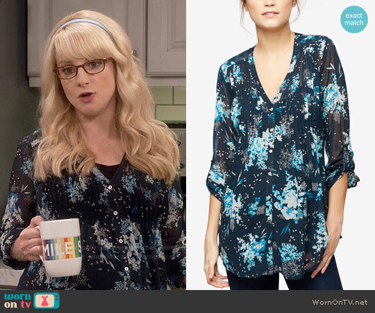 A Pea in the Pod Maternity Printed Blouse in Navy Japanese Floral worn by Bernadette Rostenkowski (Melissa Rauch) on The Big Bang Theory