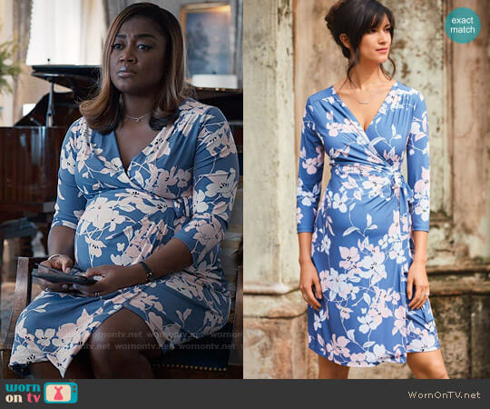 A Pea in the Pod Pleated Floral Maternity Wrap Dress worn by Patina Miller on Madam Secretary