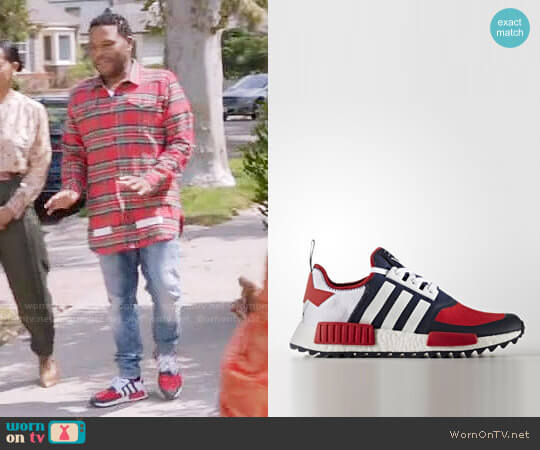 Adidas BA7519 Trail Sneakers worn by Andre Johnson (Anthony Anderson) on Blackish