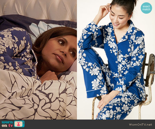 BedHead Navy Shadow Blossom Pajamas worn by Mindy Lahiri (Mindy Kaling) on The Mindy Project