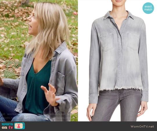 Bella Dahl Frayed Hem Split Back Shirt worn by Kaitlin Olson on The Mick