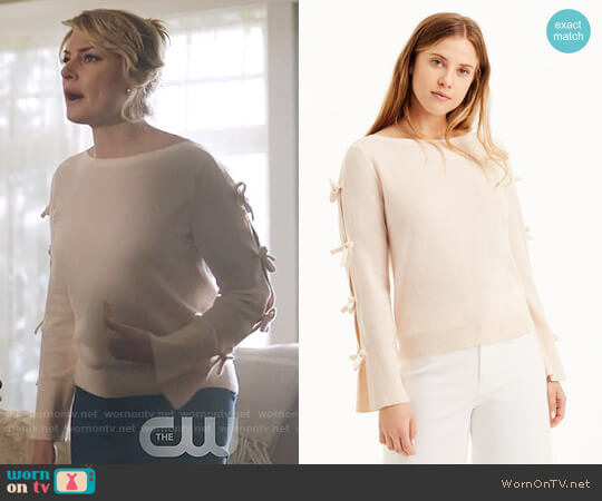 Club Monaco Debren Sweater worn by Alice Cooper (Mädchen Amick) on Riverdale