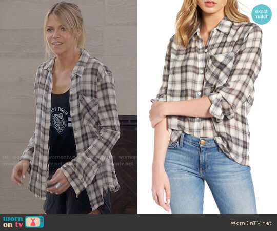 Current Elliott The Everyday Shirt in Crescent Moon  worn by Kaitlin Olson on The Mick