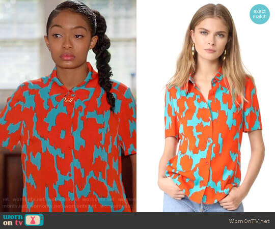 Diane von Furstenberg Print Stretch Silk Shirt worn by Zoey Johnson (Yara Shahidi) on Blackish