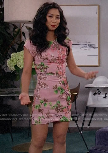 Eve's pink floral dress on 9JKL