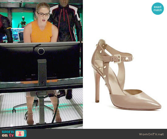 Guess Bobbie Pumps worn by Emily Bett Rickards on Arrow