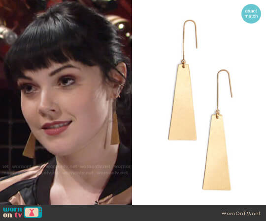 Madewell Petaldrop Earrings worn by Tessa Porter (Cait Fairbanks) on The Young & the Restless