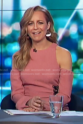 Carrie's pink cold shoulder lace up dress on The Project
