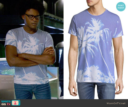 Sol Angeles Azure Pocket Tee worn by Echo Kellum on Arrow
