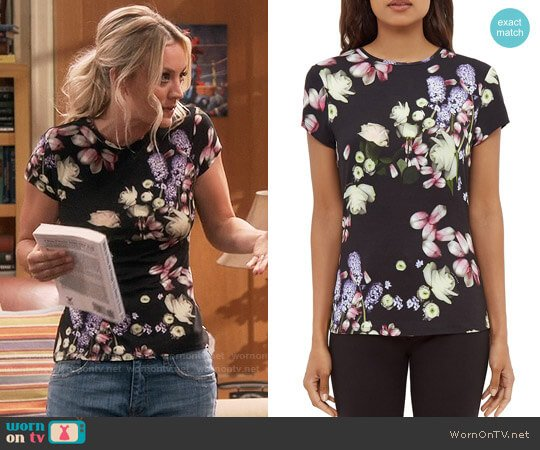 Ted Baker Villeaw Kensington Floral Tee worn by Kaley Cuoco on The Big Bang Theory
