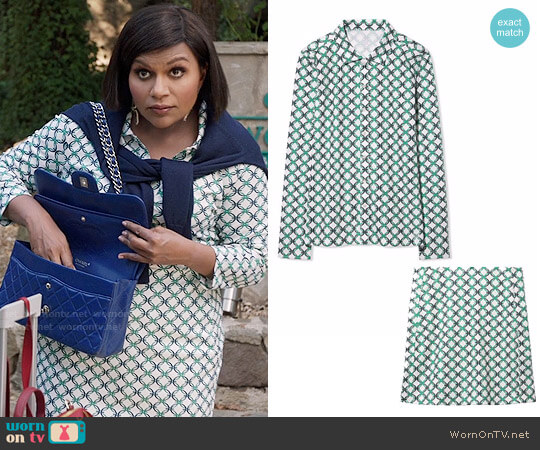 Tory Sport Printed Golf Shirt and Skirt worn by Mindy Kaling on The Mindy Project