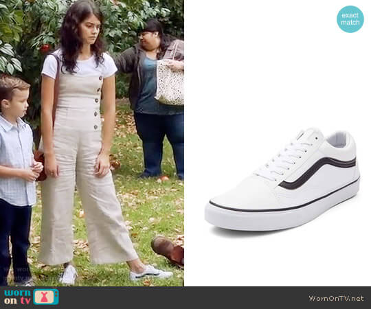 Vans Old Skool Skate Shoe worn by Sabrina Pemberton (Sofia Black D'Elia) on The Mick