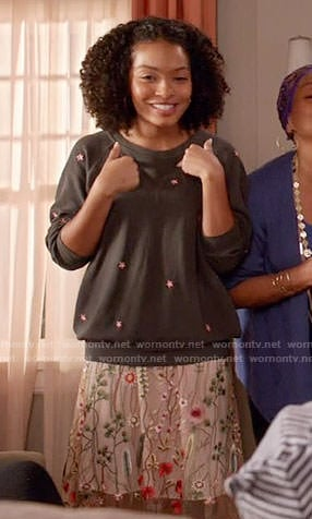 Zoey's grey embroidered sweatshirt and skirt on Black-ish