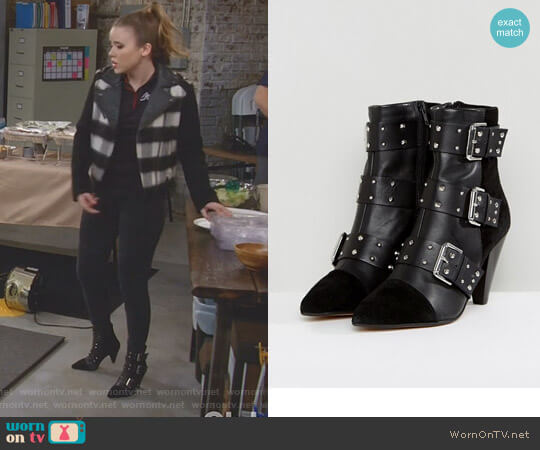Stud Buckle Ankle Boot With Cone Heel by New Look worn by Kendra Gable (Taylor Spreitler) on Kevin Can Wait