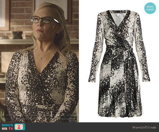 Lucifer Boo Normal: WornOnTV: Linda's Black And White Paint Splash Wrap Dress