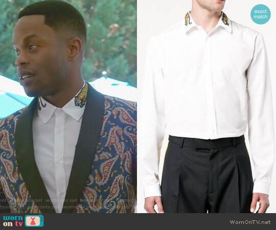 Duke shirt with tiger by Gucci worn by Jeff Colby (Sam Adegoke) on Dynasty