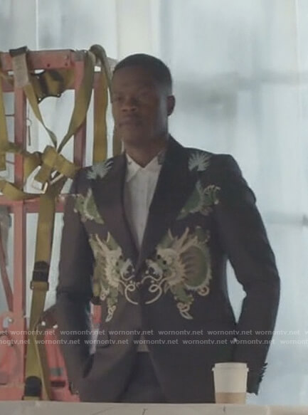 Jeff's white tiger collar shirt and embroidered dragon jacket on Dynasty