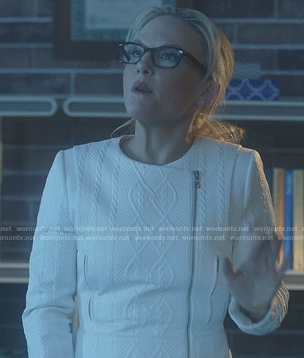 Linda's white cable jacket on Lucifer