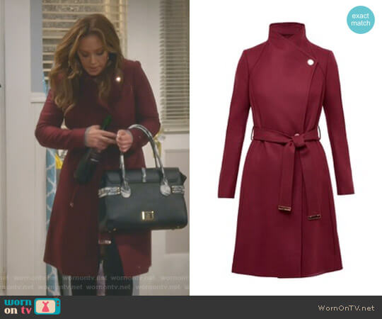 'Aurore' Coat by Ted Baker worn by Leah Remini on Kevin Can Wait