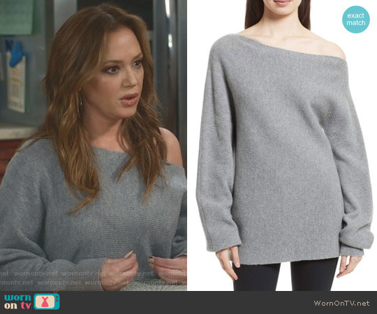 One-Shoulder Merino Wool Sweater by Theory worn by Vanessa Cellucci (Leah Remini) on Kevin Can Wait