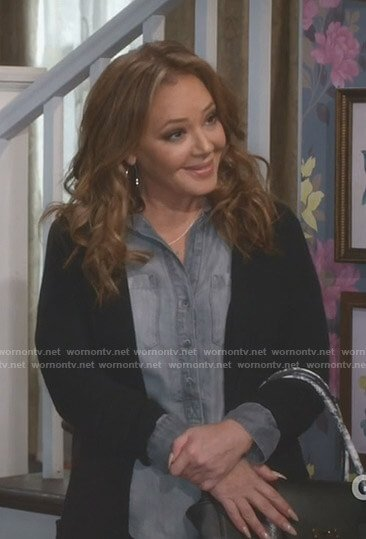 Vanessa's chambray top with buttons on Kevin Can Wait