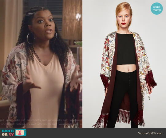 Kimono with Fringe by Zara worn by Dina Rose (Yvette Nicole Brown) on The Mayor