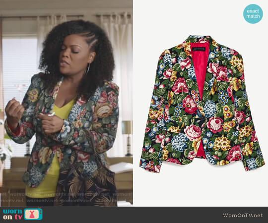 Floral Print Jacket by Zara worn by Dina Rose (Yvette Nicole Brown) on The Mayor