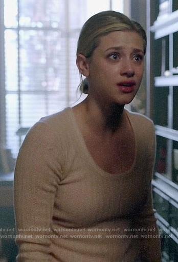 Betty's peach herringbone sweater on Riverdale