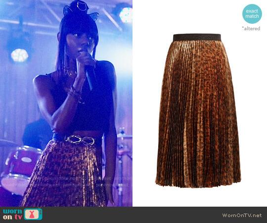 Christopher Kane Pleated leopard-print silk-blend lamé midi skirt worn by Josie McCoy (Ashleigh Murray) on Riverdale