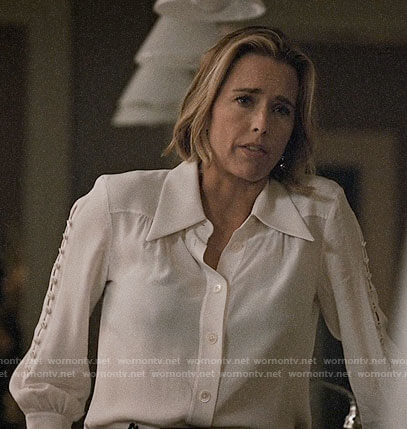 Elizabeth's white buttoned sleeve blouse on Madam Secretary