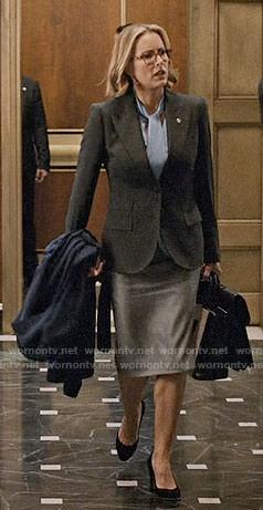 Elizabeth's Peter Frampton t-shirt on Madam Secretary
