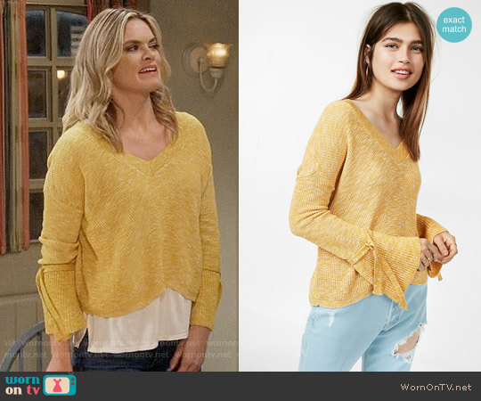 Express Tie Sleeve Split Back Sweater worn by Missi Pyle on Mom