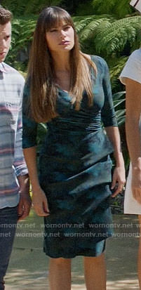 Gloria's green Thanksgiving dress on Modern Family
