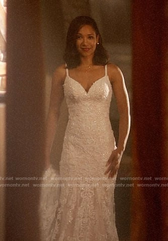 Iriss First Wedding Dress On The Flash