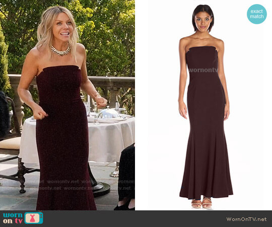 Jill Stuart Strapless Column Gown worn by Kaitlin Olson on The Mick