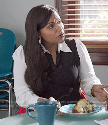 Mindy's black, white, and red colorblock shirtdress on The Mindy Project