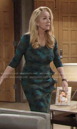 Nikki's green Thanksgiving dress on The Young and the Restless