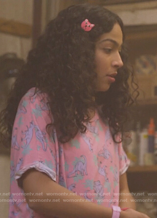Molly's pink dinosaur print top on Marvel's Runaways